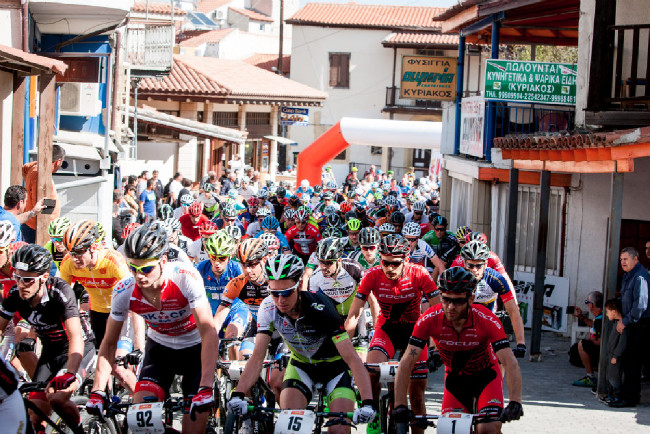 Sunshine Cup #1 - třetí den se startovalo ve městečku Lythrodontas