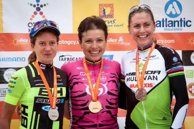 Sunshine Cup #1 - nejlepší ženy 3. etapy 1. Spitz, 2. Morath, 3. Dahle Flesja