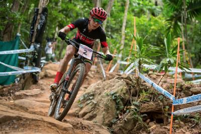 Annika Langvad se vedení ujala ve druhém kole