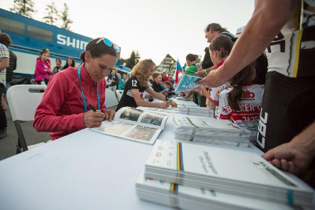 Kateřina Nash na autogramiádě