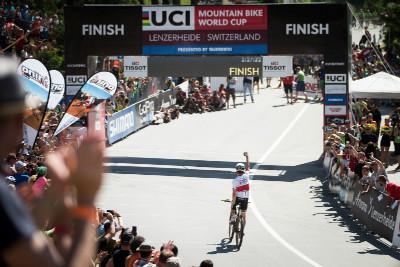 Nino Schurter slaví své 20. vítězství ve Světovém poháru