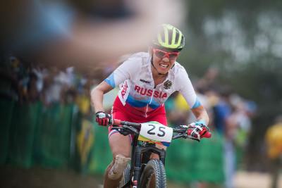 Irina Kelentieva bojovala se zlomeným prstem
