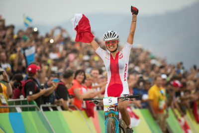 Maja Wloszczowska slaví stříbrnou medaili