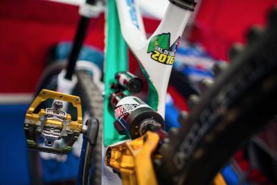 mistrovský bike Troye Brosnana