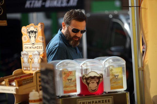 Test&Expo 2016 - boss Milan Jurka kontroluje konzistenci svých drinků