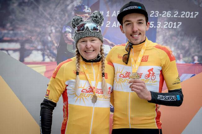 Githa Michiels a Jordan Sarrou ve žlutém po 2. etapě