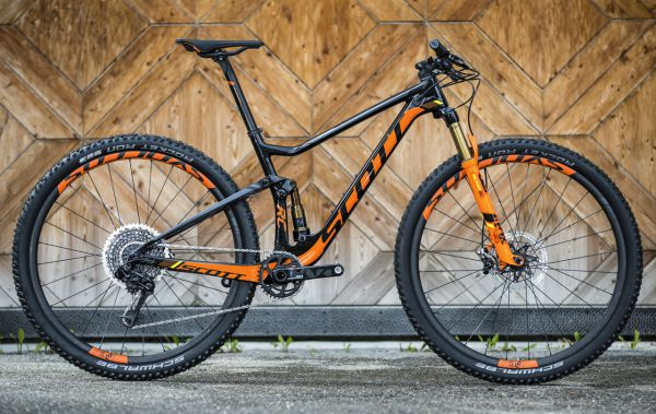 Scot Spark RC 900