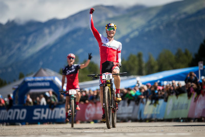 Simon Andreassen vítězí