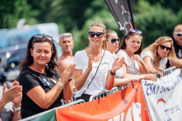 Věrná fanynka šampiona Denisa