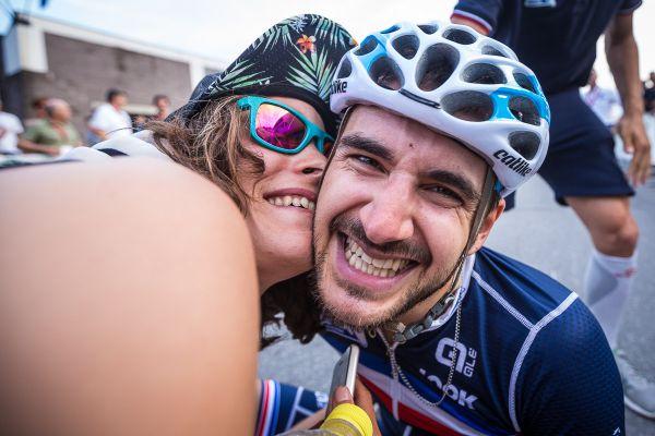Okamžitá radost Francouzského vítěze