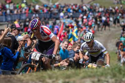 Mathieu van der Poel se ze začátku držel na čele závodu
