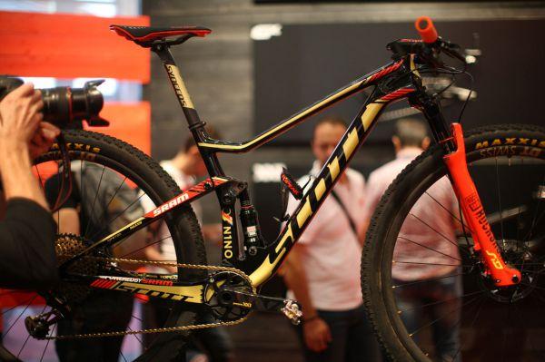 Eurobike 2017 - druhý exponát biku Nino Schurtera byl k vidění u Sramu