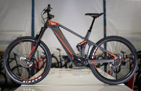 Mondraker 2018 - e-Crusher Carbon