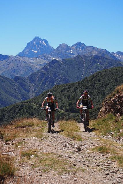 Špička v pozadí – nejvyšší hora oblasti Monte Viso 3841 m