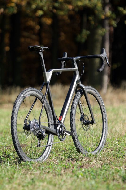 Canyon Inflite CF SLX 9.0 Pro Race