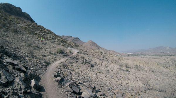 Převýšení trailů v Hattě je solidní, kdo chce dolů, musí si to vystoupat...