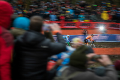 Mathieu van der Poel naposledny na čele závodu