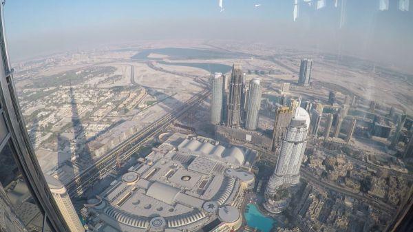 Pohled z nejvyšší budovy světa Burj Khalifa je neuvěřitelný...