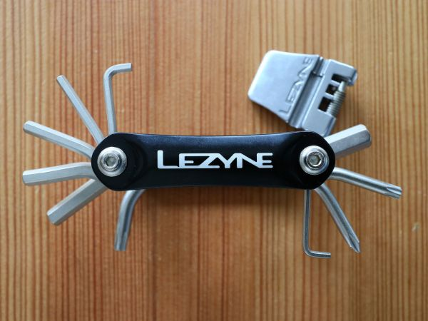 Přehled multiklíčů Lezyne