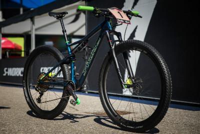"""Nový bike Anniky Langvad přezdívaný """"Star Wars"""""""