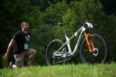 Germáno hypnotizuje nový bike MVDP