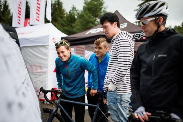 Gravel Blinduro 2018 - studium výsledků vykouzlilo MTBS Racing týmu úsměv na tváři