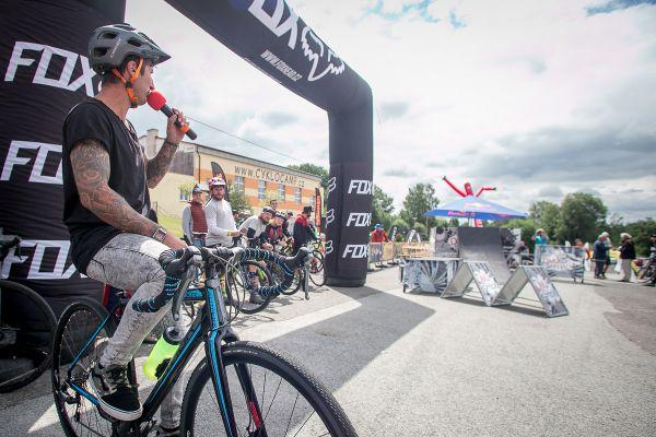 Damjan Sirišky válel nejen na kole, ale také s mikrofonem