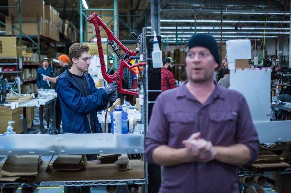 Santa Cruz factory - Nezájem, makám dál