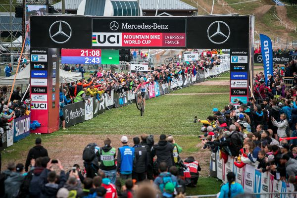 Mathieu van der Poel vyhrává třetí závod XCC