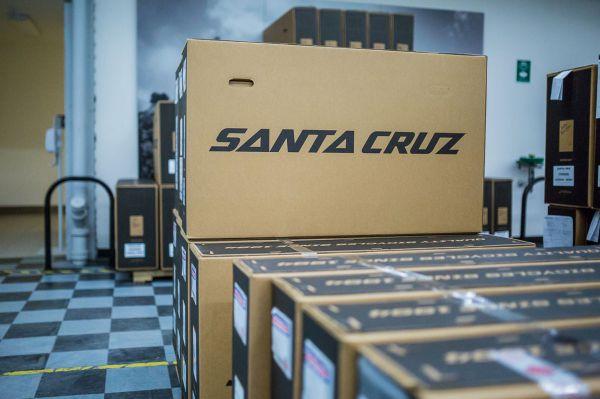 Santa Cruz factory - Co se složí v Santa Cruz, nezůstane v Santa Cruz