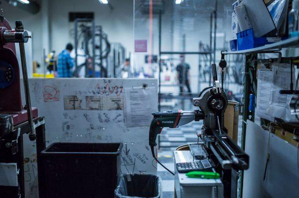 Santa Cruz factory - Mechanik nám utekl