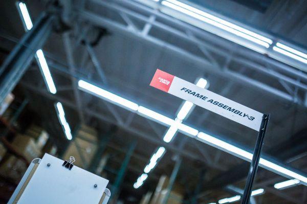 Santa Cruz factory - Jedna z pracovních stanic