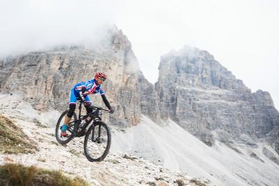 Jana Pichlíková trénuje sjezd z nejvyššího bodu trati pod Tre Cime