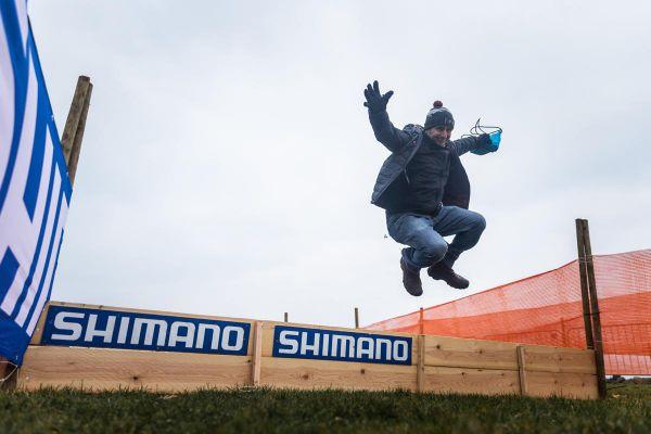 """Waldek: """"Když to skočím já, tak závodníci musí taky...!"""""""