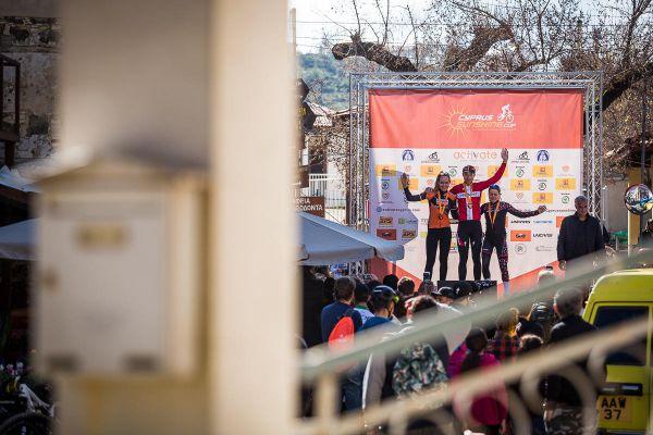 Afxentia 2019 - 3. den - před startem se ještě vyhlašoval včerejší závod