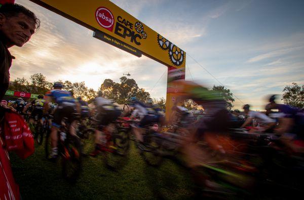 Cape Epic 2019 - Pavel Brynda vyprovází Ondru Cinka do 5. etapy