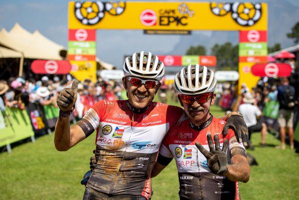 Cape Epic 2019 - šťastný okamžik pro české bikery