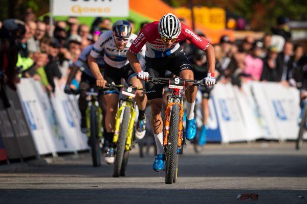Mathieu van der Poel sprintuje pro vítězství