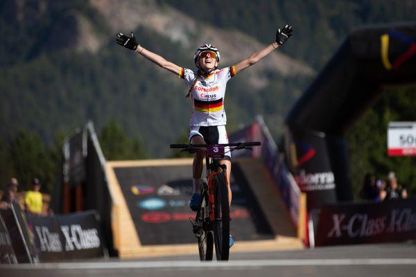 Ronja Eibl vítězí v závodě žen do 23 let