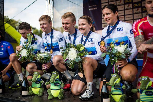 Švýcarská pětka - zprava Forchini, Frei, Roth, Lillo a Frischknecht