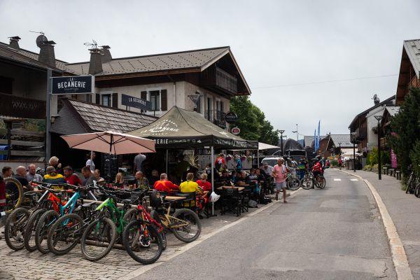 Les Gets, to jsou v létě především bikeři