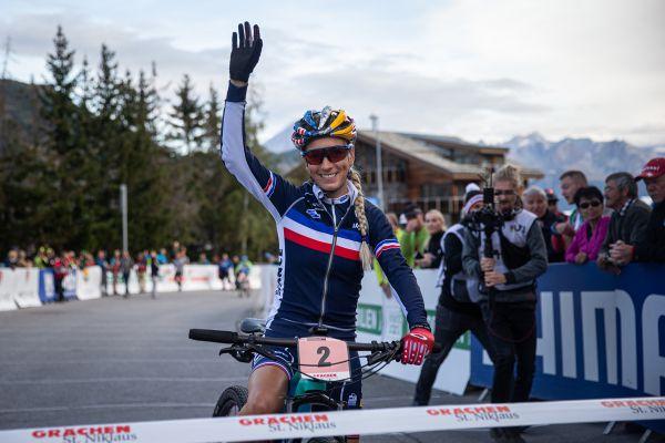 Pauline Ferrand-Prevot na startu mistrovského maratonu