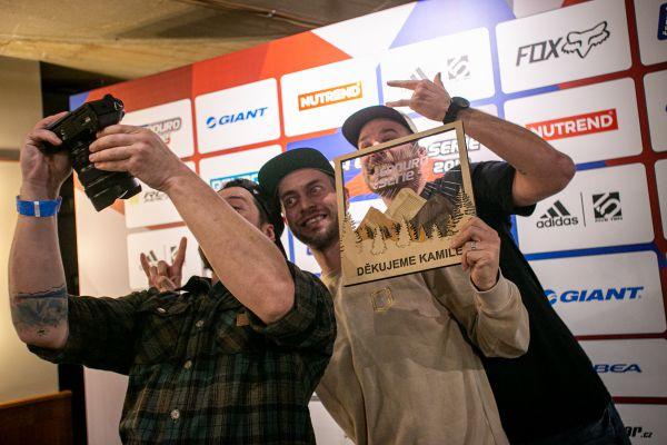 Kamil a jeho parta byli oceněni za celoživotní přínos českému enduru :-)