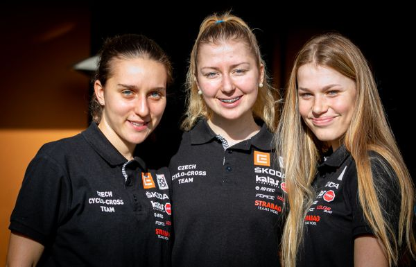 MS Dübendorf 2020 - české juniorské premiantky Kristýna, Karolína a Aneta