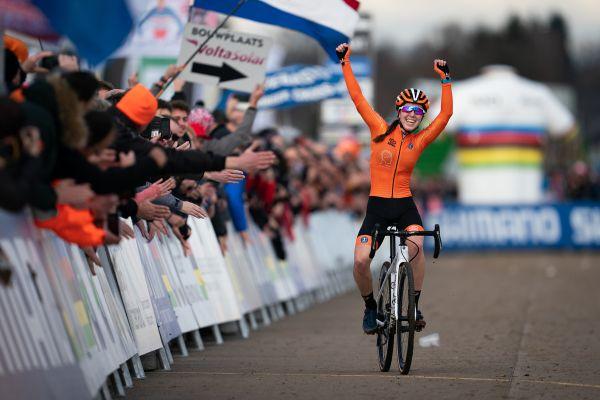 Shirin van Anrooij první juniorskou šampionkou