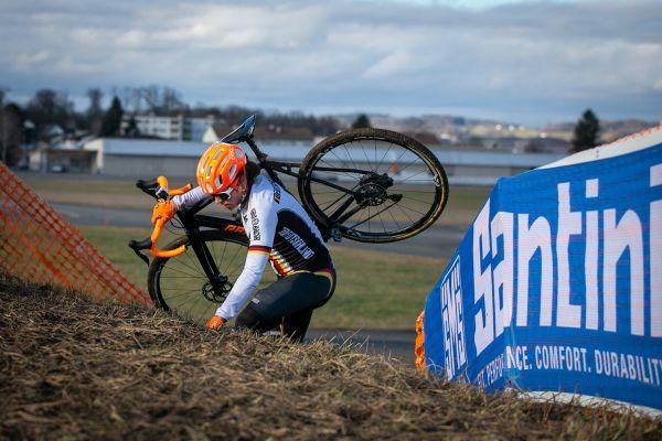 MS Dübendorf 2020 - bikerů na MS příliš není, jedna z nich Elisabeth Brandau