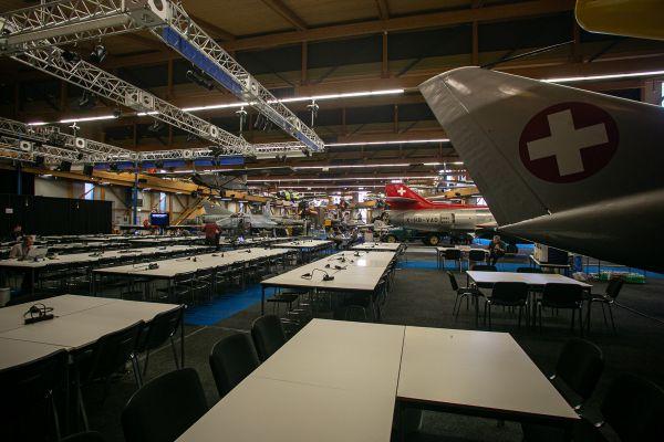 MS Dübendorf 2020 - tisková centrum v muzeu letadel
