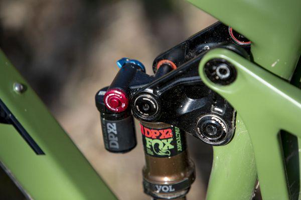 Pivot Switchblade XO1