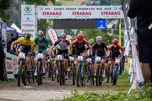 MČR XCO 2020 - 8 laps to go boys!