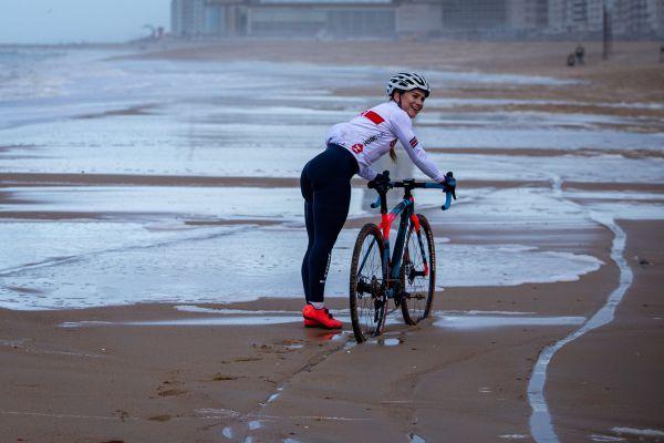 MS Oostende 2021 - trénink - Evie Richards se vyloženě bavila